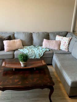 Grey sectional Couch $550 for Sale in Aurora,  OR