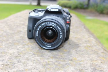Canon SL1 digital with Canon 18-55 lens for Sale in Tacoma,  WA