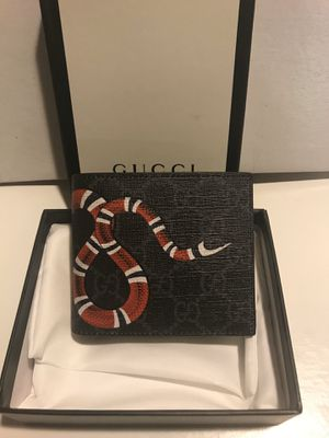 new Gucci black mono snake men's wallet for Sale in Queens, NY