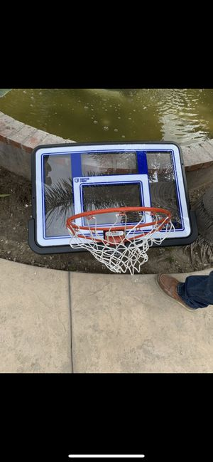 Basketball hoop. for Sale in Los Angeles, CA