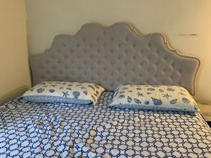 King size bed with mattress for Sale in Lakewood Township, NJ