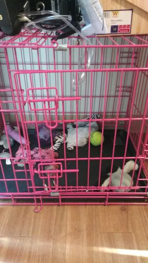 Pink dog cage for Sale in Boston, MA