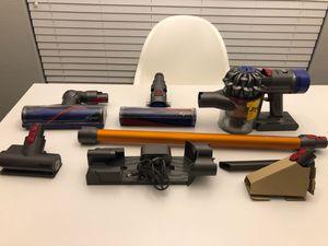 Dyson V8 absolute vacuum new for Sale in Houston, TX