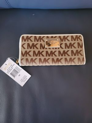MICHAEL KORS wallet NEW for Sale in Glendale, CA