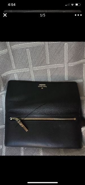 Kate spade leather wallet/gold zipper black New$50. for Sale in Seattle, WA