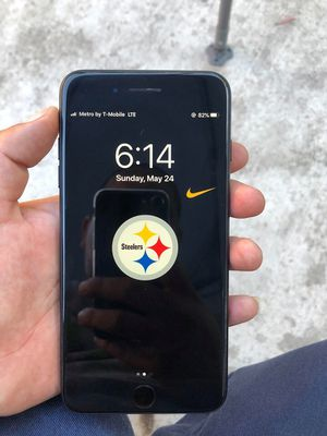 Iphone 7 plus unlocked for Sale in Los Angeles, CA