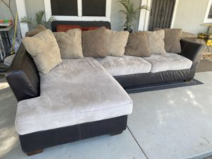 Free Sectional couch for Sale in Aguanga, CA