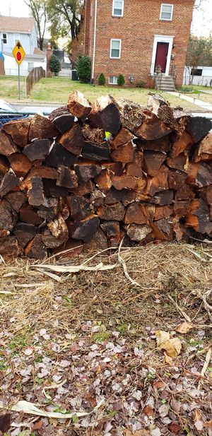Free fire Wood for winter for Sale in Hyattsville, MD