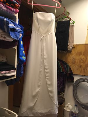 David's bridle wedding dress for Sale in Beaumont, TX