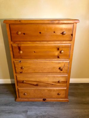 BEAUTIFUL SOLID WOOD DRESSER for Sale in Anaheim, CA
