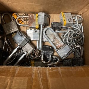 Box Of scrap Metal For FREE for Sale in Fort Lauderdale, FL