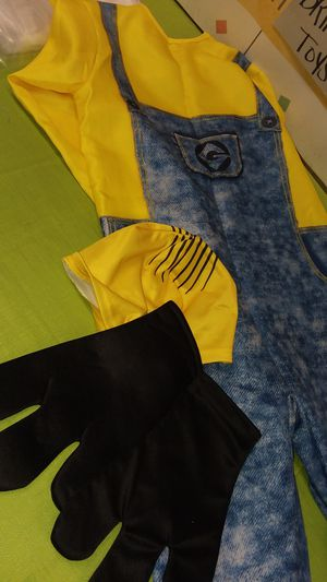 Minion costume 6/8 for Sale in Fort Myers, FL