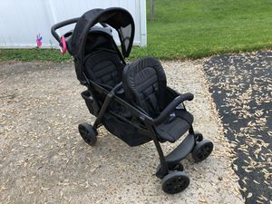 Chicco double stroller for Sale in Irwin, PA