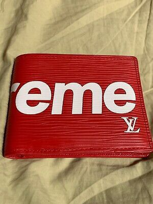 Supreme Louis Vuitton bifold Wallet Red for Sale in Chicago, IL