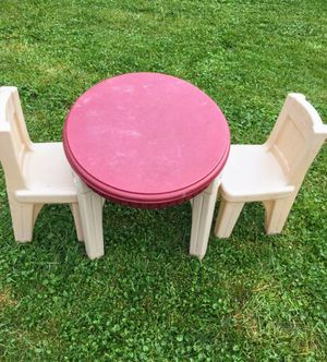 Table &chairs for Sale in Glendale Heights, IL