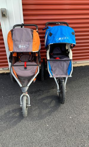 Two stroller For Sel $40 for Sale in Springfield, VA
