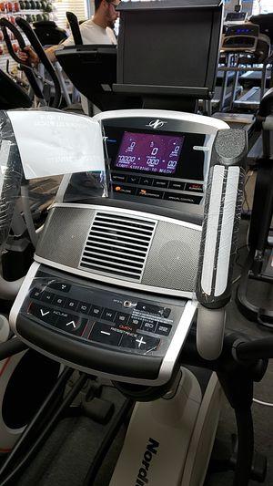 Nordictrack e9.5i elliptical! Like new! for Sale in Glendale, AZ