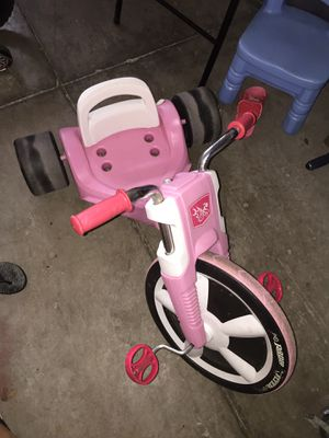 Radio flyer tricycle for kids pink car scooter trike girls toy furniture makeup brush chair couch free cheap book baby clothes framed home room decor for Sale in Tampa, FL