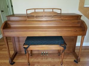 Piano-Lester Betsy Ross Spinet 3 pedals for Sale in Roanoke, VA