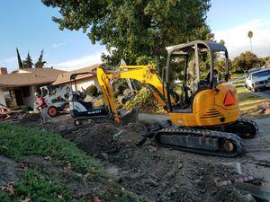 Busco yarda para parkear maquinas for Sale in La Puente, CA