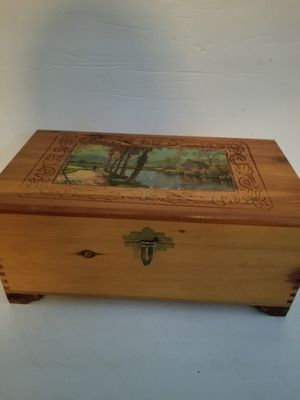 Vintage Cedar Jewelry/Trinket Box for Sale in Chattanooga, TN