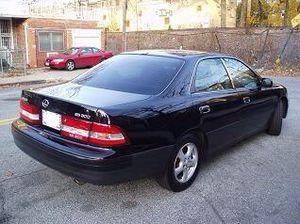 1998 lexus es 300 for Sale in Monessen, PA