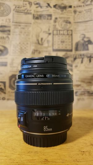 Canon 85mm 1.8 with Tiffen filter for Sale in San Francisco, CA