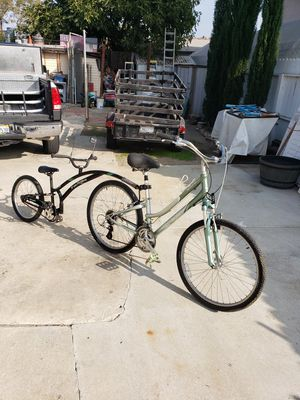 Giant bike and trail along bike for Sale in Long Beach, CA