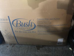 (Bush Furniture) corner desk and hutch for Sale in Kennesaw, GA