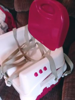 Booster seat - Attaches To Any Chait for Sale in Peoria Heights,  IL