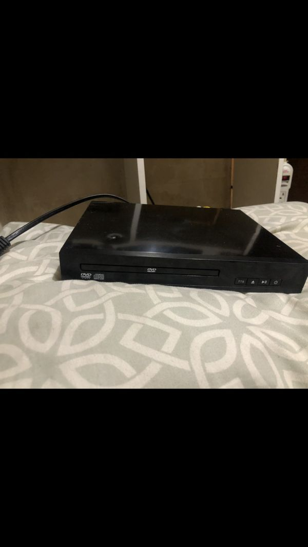 Portable DVD player with remote