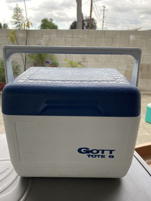 Gott tote 6 cooler for Sale in Whittier, CA