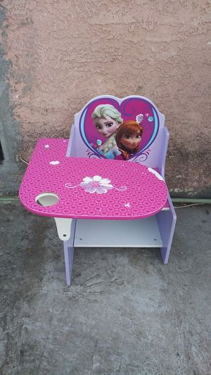Frozen kids wood desk for Sale in Compton, CA