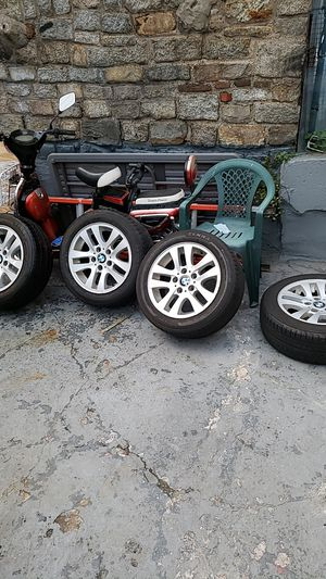 3 series rims no curb rash for Sale in The Bronx, NY