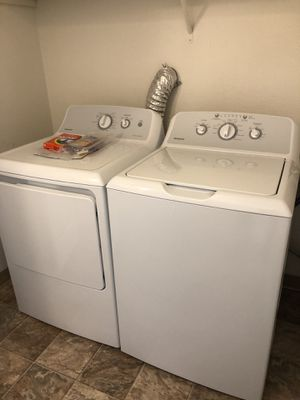 GE HOTPOINT WASHER AND DRYER BRAND NEW STILL IN BOX for Sale in Des Moines, WA
