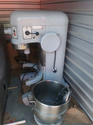 Hobart H600 60qt mixer w/Accesories for Sale in Washington, DC