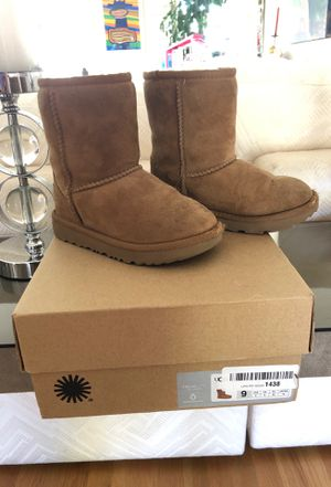 Toddler UGGS Size 9 for Sale in Los Angeles, CA