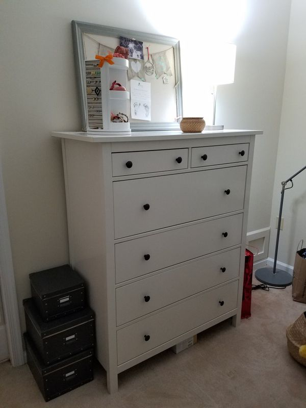 Drawer and 2 night stands IKEA