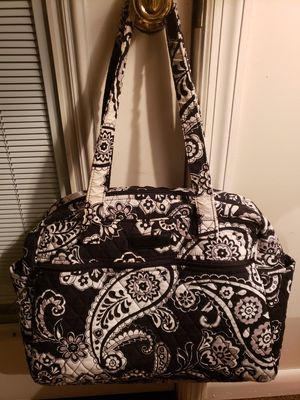 Vera Bradley diaper bag. 16x13 pockets on each end front pocket has zipper, clean , good condition, no wear. for Sale in Murfreesboro, TN