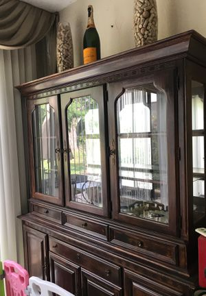 Antique china cabinet. for Sale in Boca Raton, FL