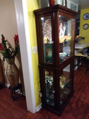 Glass table and curio for Sale in Lakeland, FL