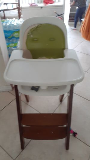 High chair for sale for Sale in Pompano Beach, FL