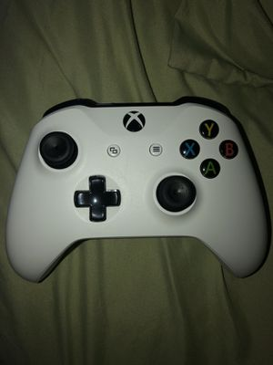 Xbox one controller for Sale in MONTGOMRY VLG, MD