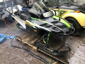 Artic Cat 700 powder special snowmobile. Long track for Sale in Snohomish, WA