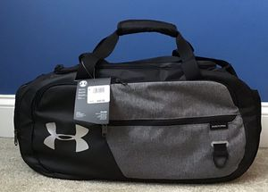 Under Armour duffle bag for Sale in Naperville, IL
