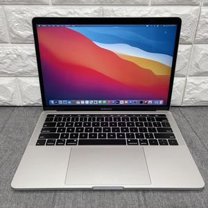 """Apple MacBook Pro 13"""" Laptop Touch Silver (2018) 2.7GHz i7 16GB 512SSD for Sale in Fremont, CA"""