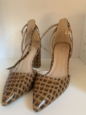 Faux tan crocodile print heels for Sale in Bethesda, MD