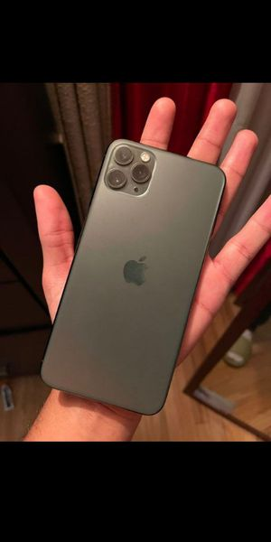 iPhone 11 pro unlocked 256gb for Sale in Arlington Heights, IL
