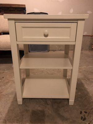 Pottery Barn Nightstand/end table for Sale in Clarksburg, MD
