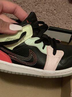Kids Jordan 1 Size 9c for Sale in Orlando,  FL